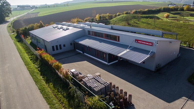 Hinterdobler Fabrikations GmbH | Produktionsgelände | Drahtbiegeteile-Hersteller und Kleiderbügel-Hersteller